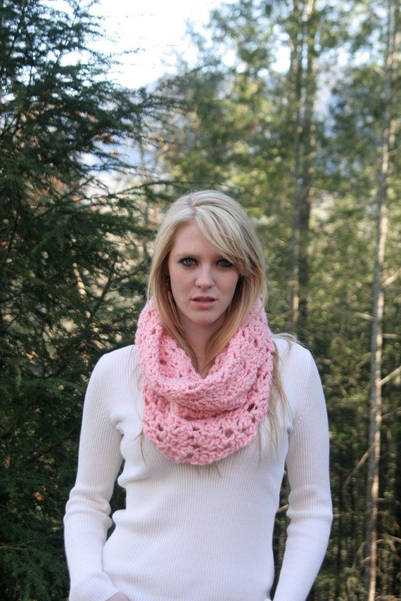 Crochet Cowl Scarf ,Hand Dyed  Pure Merino Eco Friendly Uruguayan  - Soft Pink-