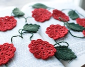 Crochet flower garland - Wedding embellishment Birthday Party decoration Red flower - SvetlanaN