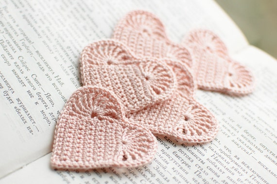 Set of 5 Crochet hearts applique Wedding decoration embellishment pale pink shabby chic