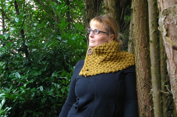 Wide Chunky-Knit Cowl / Scarf with two handmade felted buttons - MADE-TO-ORDER