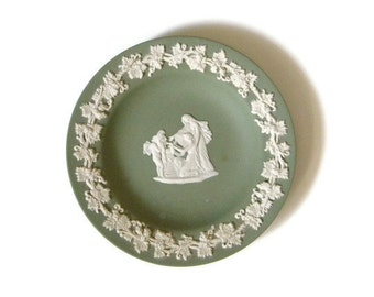 Wedgwood jasperware green plate