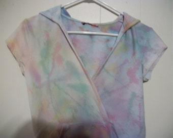 Hand-dyed short sleeved hoodie, size M