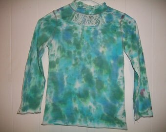 Hand-dyed long sleeved girls' tee with lace trim, size M