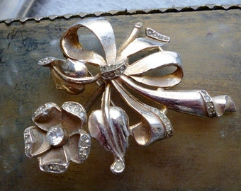 Flower Brooch  - Vintage Rhinestone Bouquet Bow Pin - Floral Pin Pendant
