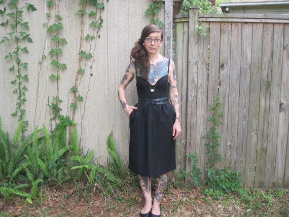Vintage // Black Skirt with Pockets // Black High Waisted // Size 12