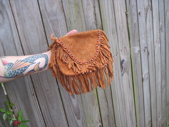 Vintage // Suede Indian Pouch // Beaded Native American medicine bag // Fringed
