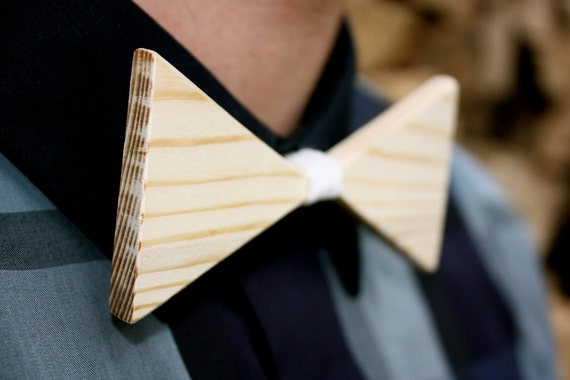 Textured Wooden Bow-Tie