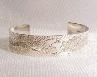 Vintage Sterling Silver Cuff Bracelet: Hand Engraved in Acorns and Holly, Adjustable - i1019