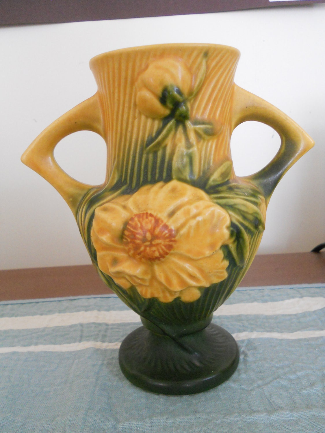 Pottery Vase Antique Roseville Peony Yellow Green 168 6