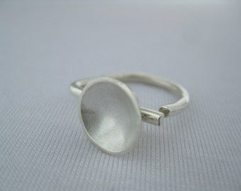 Contemporary rings. Silver Disc .