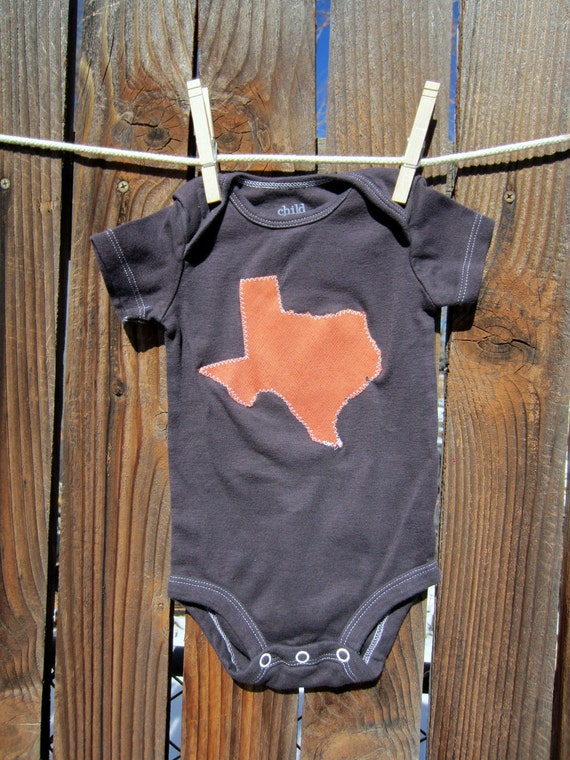 3 to 6 months - Hand Dyed Brown Onesie with Burnt Orange Texas State Applique. Perfect for baby Longhorns