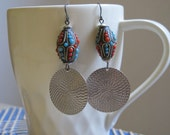 Great beaded Earring with silver highlight