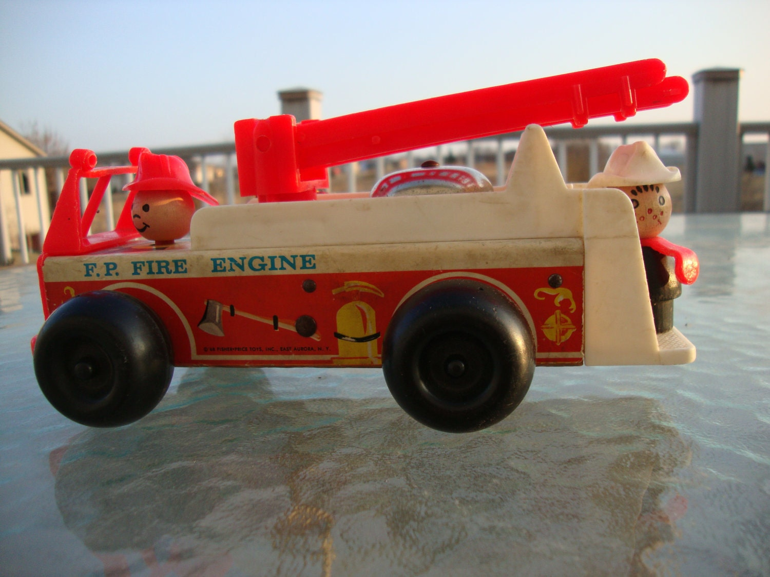Vintage Fisher Price Fire Engine 720 With Rare Wood Fireman
