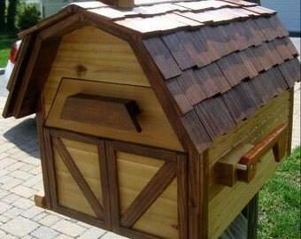 Cedar Barnhouse Mailbox