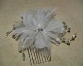 Brides Hair Feather Comb White Flower hair clip for wedding, wedding hair accessory, hair piece, hair flower, Old Hollywood, Great Gatsby