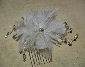 Brides Hair Feather Comb Ligth Ivory Flower hair clip wedding, wedding hair accessory, hair piece, hair flower, Old Hollywood, Great Gatsby