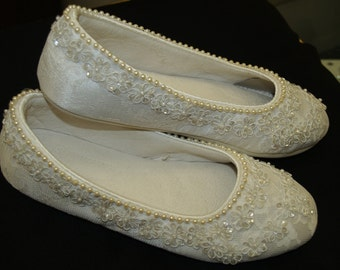 Ready to Ship Size 5 Wedding Ivory Flats  Vegan Shoes Embellished with hand sewn pearls and ivory sequins appliques, comfortable flats, lace