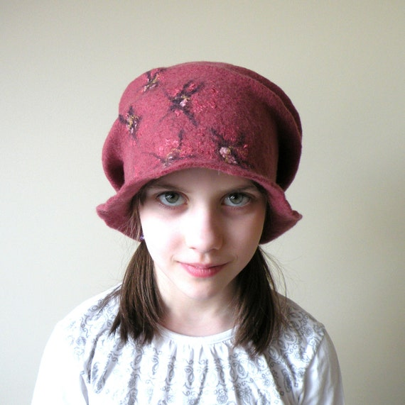 Cranberry wet felted wool girl or women hat - autumn fall fashion - ready to ship - autumn hat - back to school