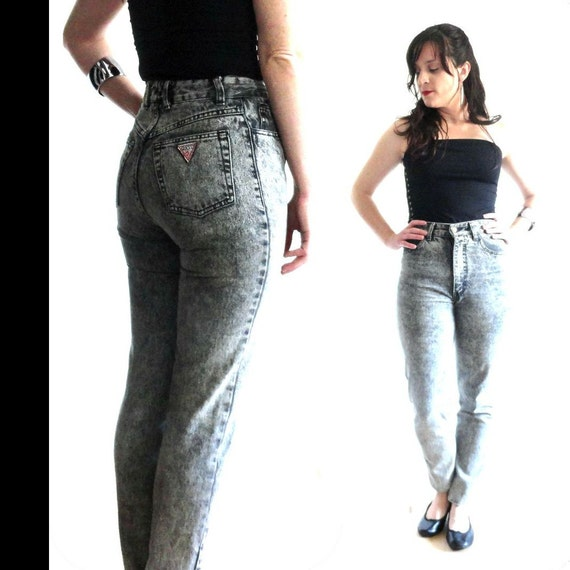 Black Stonewash // Guess Jeans // High Waist Slim Fit  //  Size 29W Medium