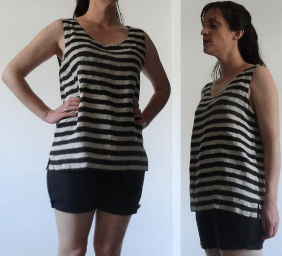 Black & Off-White Stripes // Jagged Lines //Boxy Linen Tank Top Blouse // Size Large