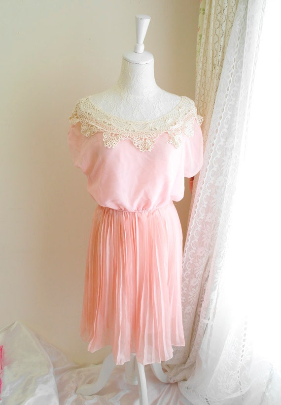 Sweet romantic cream crocheting lace neckline baby pink pleated chiffon dress stretch shoulder pale airy