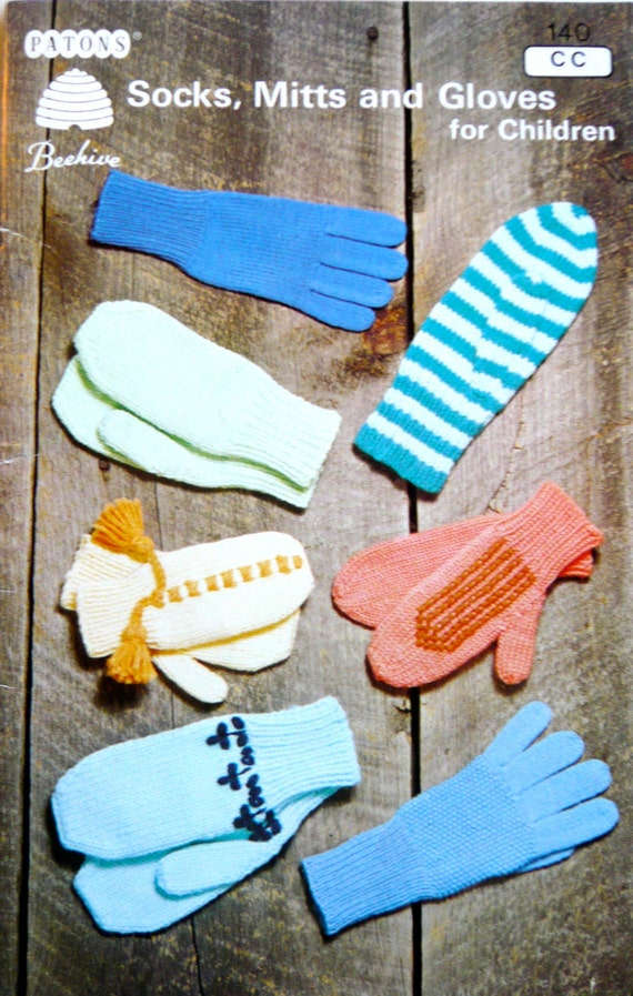 Childrens Gloves Knitting Pattern : Childrens gloves mittens knitting patterns booklet 140 Socks