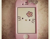 Hello Kitty iPhone 4/4S case with Swarovski Rhinestone Crystals and Matching Hello Kitty Wallpaper