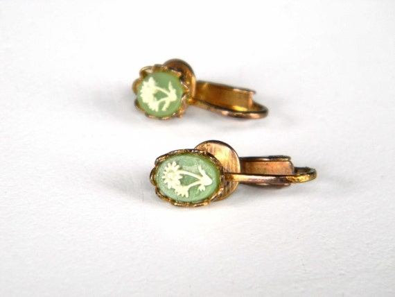 Vintage Cameo Earrings Green Flowers Clip-Ons