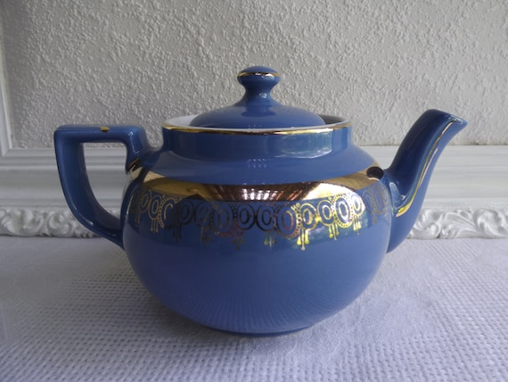 Vintage Hall's Boston Dresdin Blue Six Cup Tea Pot Circa 1944