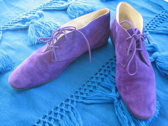 Amazing purple suede GUCCI flat booties or ankle boots size 7.5