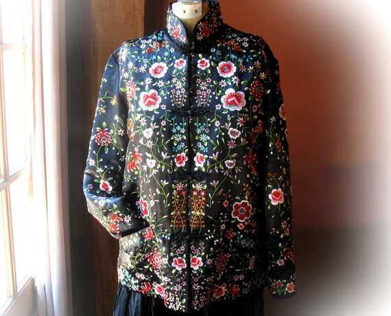 Vintage 60's Black Chinese Oriental Silk Jacket with Floral Embroidery 38