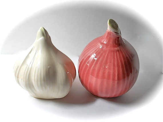 IF you are NOT HANNAH  please do not buy Reserved for Hannah Salt and Pepper Shakers Onion and Garlic