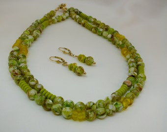 Necklace Set of  multicolored Mother of Pearl Beads