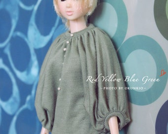 RYBG Creation - green grey T Momoko or Nippon or Blythe