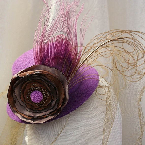 ENGLISH GARDEN Mini Tea Party Hat Fascinator in purple, perfect for your costume or photo shoot