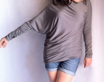 Loose Asymmetric Blouse / Oversize Long Sleeved Blouse / Women Winter Top Blouse Shirt / Grey Jersey Shirt/ Ladies Asymmetric Blouse СН010