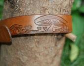 Leather engraved mushroom belt small / xsmall