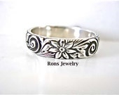 Floral Design, Substantial Daisy Ring, Sterling, Single Band, Art Nouveau,