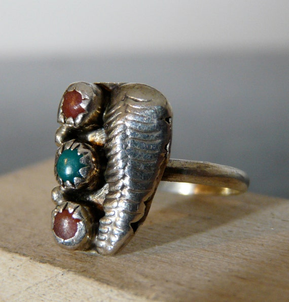 Vintage Silver Dainty Native American Ring with Turquoise and Coral