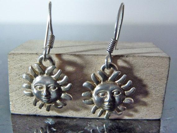 SALE Vintage Silver Sun Face Dangling Earrings