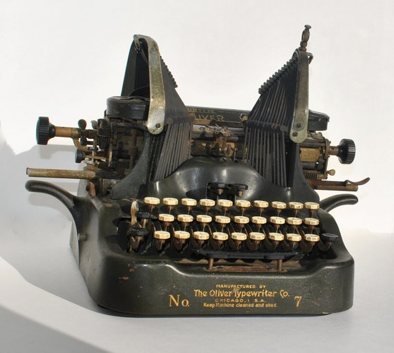 Manual Typewriter Black Antique Vintage Oliver No 7 Collectible