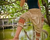 Short Thai  Pants, Cotton, Batik, Cream w Red/Gold Royal Design - STP-C14