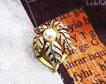 Golden Leaf - Vintage golden clip