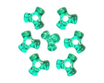 1,000 Transparent Green Tri-Shaped Beads