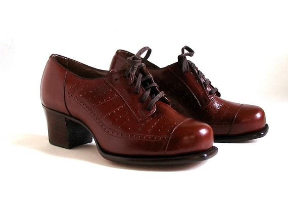Vintage Women Shoes, Oxford Lace-Up's, Unworn 1940's, size 4 to 5,  Wide Width
