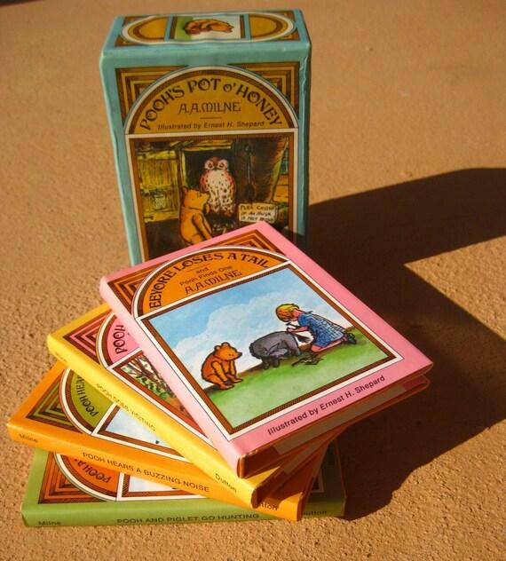Sale Pooh's Pot o' Honey- AAMilne- Miniature 4 Book Set-Vintage Originally Published 1968