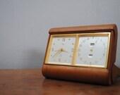 1950s travel bedside windup clock