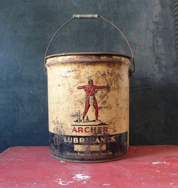 Vintage lubricant oil bucket made by Archer. 5 gallon.