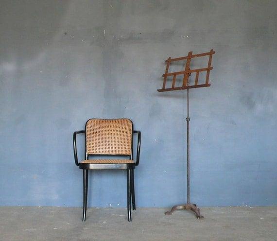 Original Thonet 'Prague' Chair no. 811. 1920's. (2 of 2)