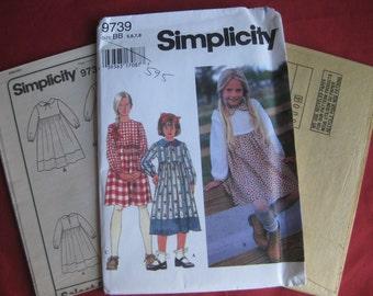 Girl's Dress, sizes 5, 6, 7, 8:  Uncut Simplicity 9739